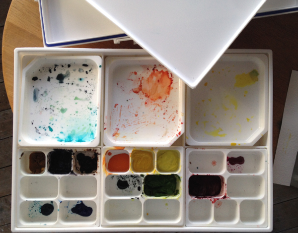 Artist studio Behind the Scenes. Innovation. Sealed palette with lid to keep paints from drying out.